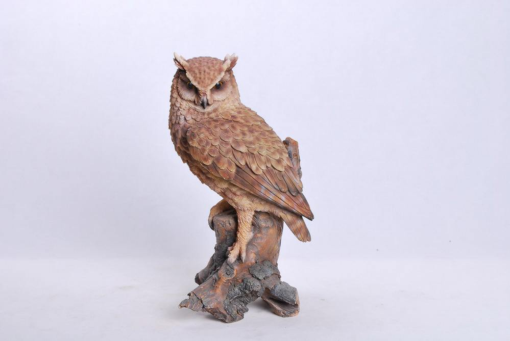 Great Horned Owl On Stump, 8 Inch x 6.5 Inch x 14.5 Inch