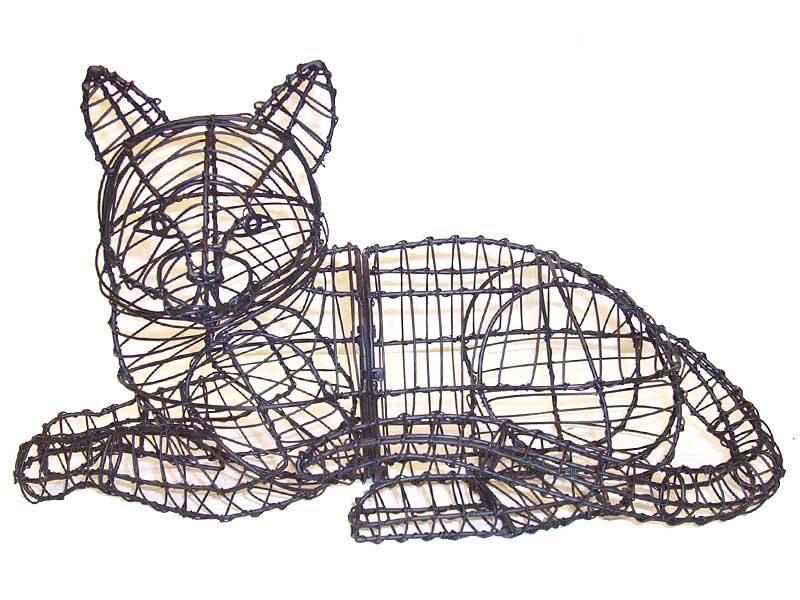 Lying Cat Frame Topiary, 10 x 15 x 9